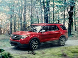 Ford Explorer 2015 За город
