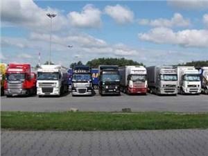 Водителям грузовиков придется платить тысячу рублей в час за парковку в центре Москвы