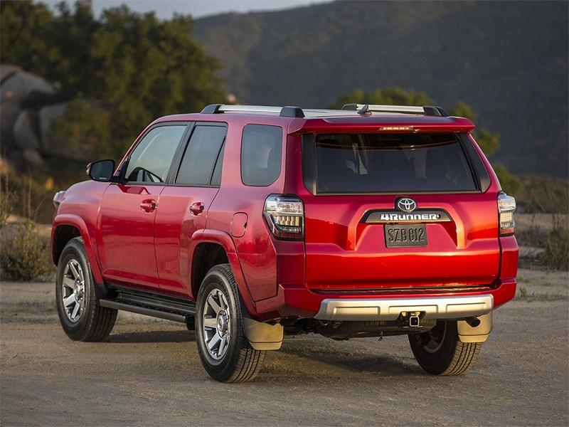 Внедорожник Toyota 4Runner.
