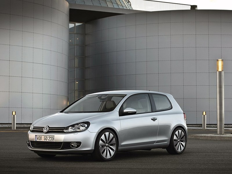 Фотографии Volkswagen Golf 3-Doo…